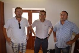 El alcalde de Valsequillo firma un acuerdo con las pirotecnias del municipio
