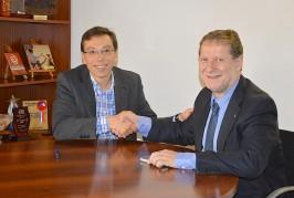 El Ayuntamiento de Valsequillo firma un convenio de colaboración educativa con Radio Ecca
