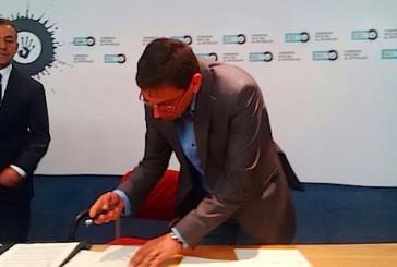 El alcalde de Valsequillo Francisco Atta, también firmó el manifiesto contra las prospecciones petrolíferas en aguas cercanas a Canarias el pasado domingo 23 de noviembre.