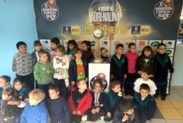 Los niños de los colegios municipales también disfrutaron con la Copa del Rey de Baloncesto.