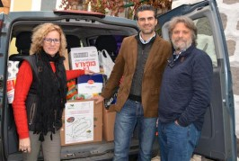 AV entrega 400 kilos de alimentos de la campaña Valsequillo solidario