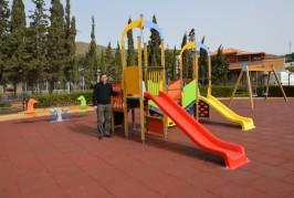 Los parques infantiles del municipio están plenamente operativos