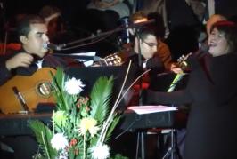 Musical «Al ritmo de corazón» de La Parranda del Medio Jigo p'al Kilo en las fiestas del Almendrero en Flor 2015.