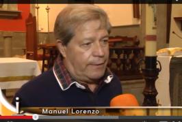 El vecino de Valsequillo D. Manuel Lorenzo dona un cirio a la Iglesia de San Miguel.