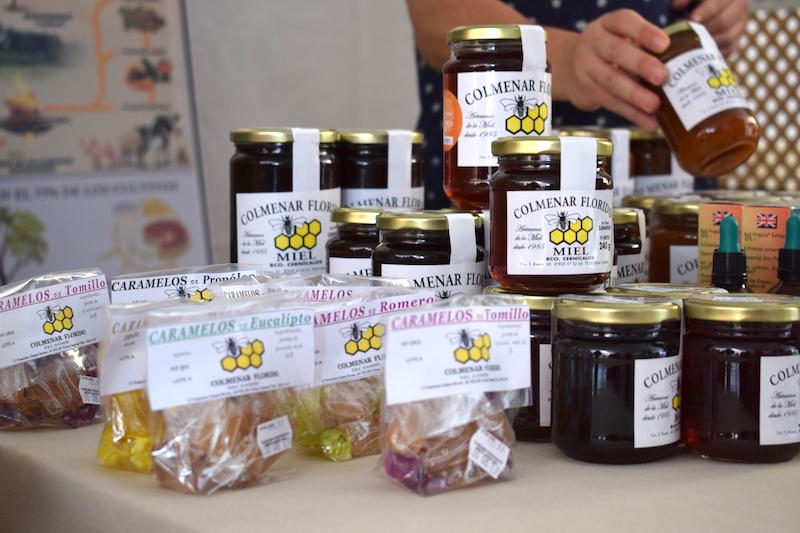 feria abeja negra y miel 5w