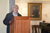 Conferencia de J. Morgan durante la exposición de Alberto Manrique de Lara en la Casa-Museo Tomás Morales