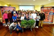Los alumnos del I.E.S. Valsequillo conocen de primera mano los beneficios nutritivos de la Fresa