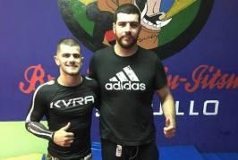 El campeón del mundo de Jiu-Jitsu visitó el Club de Lucha de Valsequillo