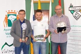 El Ayuntamiento de Valsequillo recibe al deportista Kevin Peñate