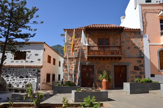 Fachada ayuntamiento Valsequillo 5w