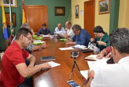 El Ayuntamiento de Valsequillo adjudica el servicio de recogida de residuos y limpieza a la empresa Ayagaures Medioambiente, S.L.
