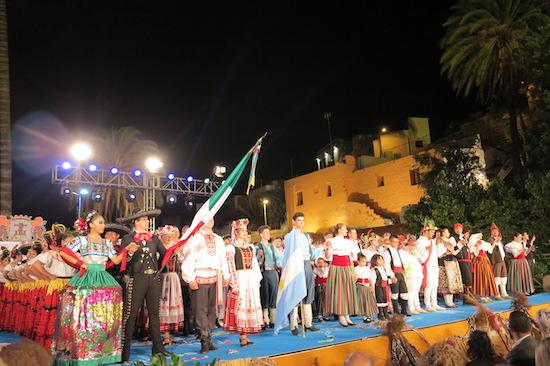 Un brillante y colorista espectáculo pone punto y final a la XXIII edición del Festival Internacional de Folklore de Ingenio 'Muestra Solidaria de los Pueblos'