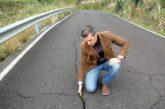 Los desprendimientos y el estado de la carretera preocupan a los vecinos de Las Chozas