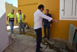 El ayuntamiento mejora la red de saneamiento de la calle La Silla en el casco de Valsequillo