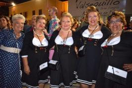 Miles de personas bailaron al ritmo de los 60 anoche en Valsequillo