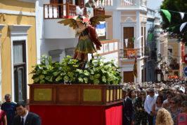 Valsequillo reconoce la labor de sus ganaderos en el desfile de ganado ante San Miguel
