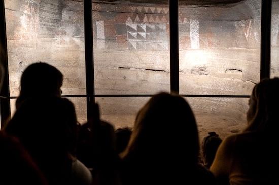 Cueva Pintada propone a las familias detenerse en la época prehispánica y colonial
