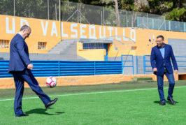El consejero de Deportes del Cabildo visitó las instalaciones deportivas de Valsequillo y se comprometió a estudiar nuevos proyectos