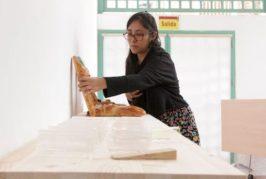 Entrevista con la artista boliviana Liliana Zapata que exhibe en la Casa-Museo Antonio Padrón de Gáldar la muestra 'Regreso al Alax Pacha'