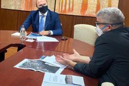 Hidalgo analiza con el director de Plocan futuros proyectos de I+D+i en la bahía de la capital