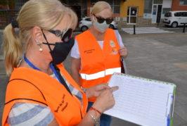 """Vecinas de Valsequillo """"patrullan"""" sus calles como agentes de salud Covid"""