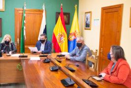 """El Ayuntamiento de Valsequillo y la Asociación Empresarial """"El Tajinaste Azul"""" firman una campaña de apoyo al comercio local en Navidad"""