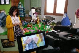Los talleres de artesanía intergeneracional dan el salto a lo virtual