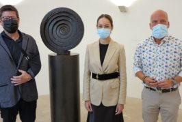 Guacimara Medina cursa una visita a la Fundación Martín Chirino