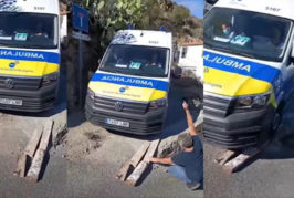Una ambulancia queda atrapada: Vecinos de San Roque denuncian la falta de atención