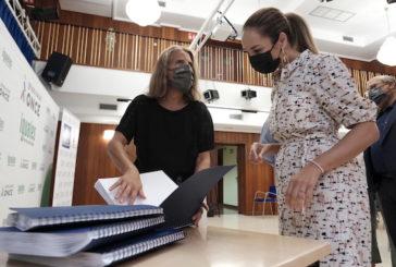 La ONCE entrega a la Casa-Museo Tomás Morales de Moya una edición en braille del poemario completo 'Las Rosas de Hércules'